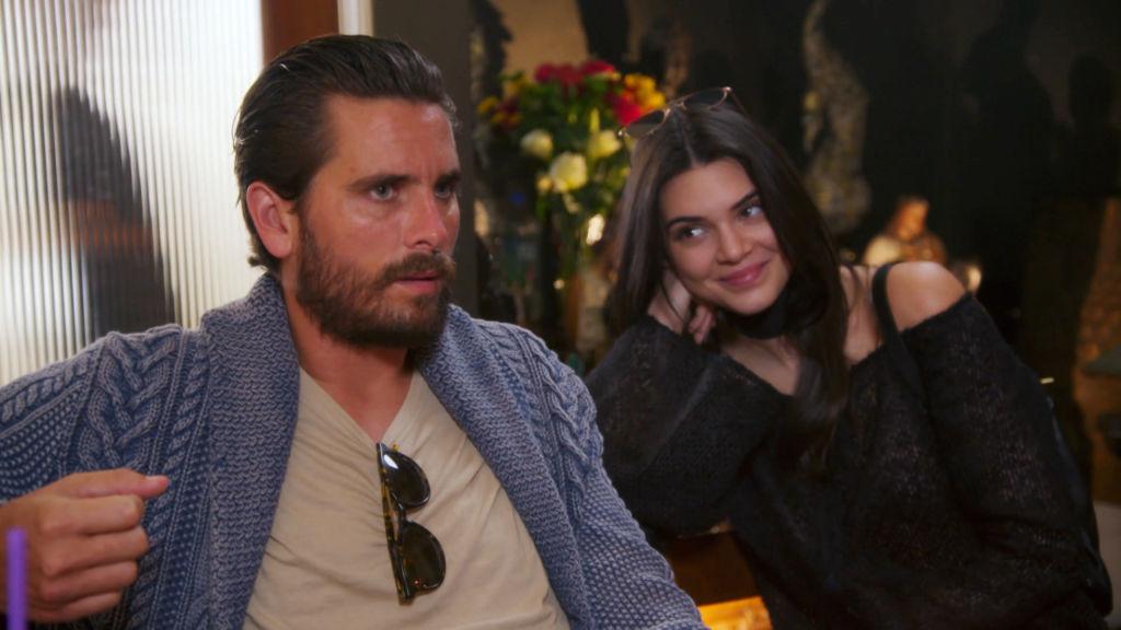 La maldici n que atormenta a las kardashian fox series for Living with the kardashians full episodes